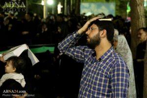 تقریر مصور/ إحياء الليلة الأخيرة من ليالي القدر عند مقبرة الشهداء في اصفهان
