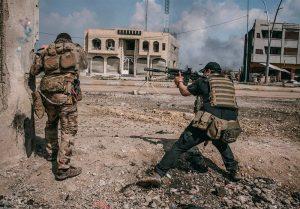 فداکاری جانانه نیروهای عراقی برای نجات غیرنظامیان در موصل