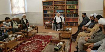دیدار تعدادی از علما، طلاب و دانشجویان خارج از کشور با آیت الله مکارم شیرازی