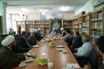 برگزاری نشست پاسخگویی معارف علوی به نیازهای جامعه با تأکید بر نهج البلاغه و الهام از بیانات رهبری